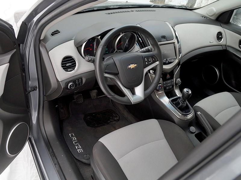 Chevrolet Cruze SW 2013 водительское место