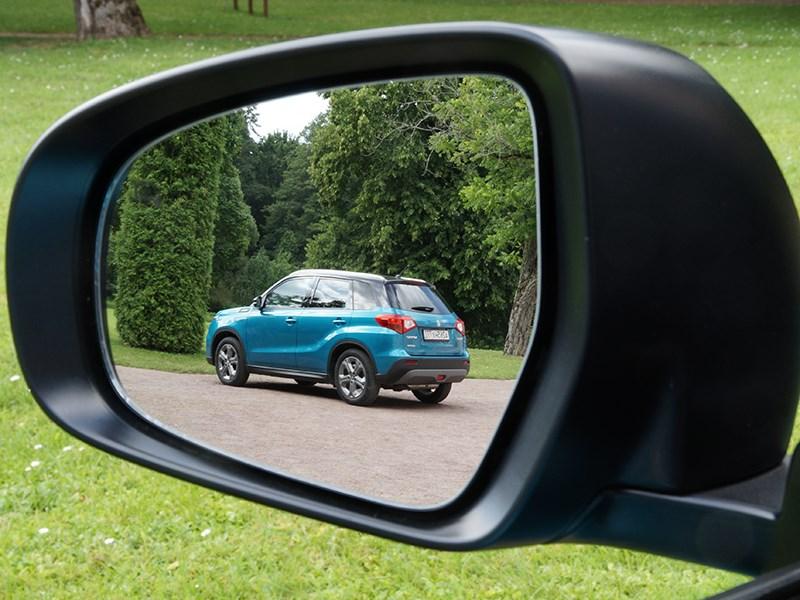 Suzuki Vitara 2015 боковое зеркало