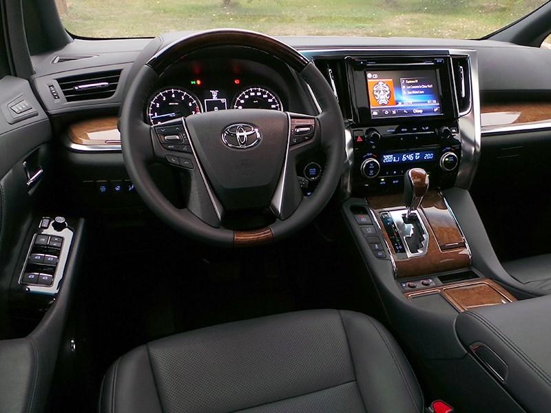 Toyota Alphard 2015 салон