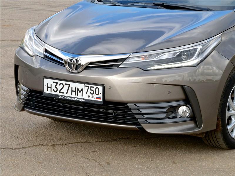 Toyota Corolla 2017 фары