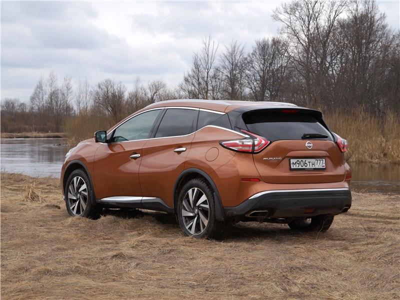 Nissan Murano 2016 вид сзади