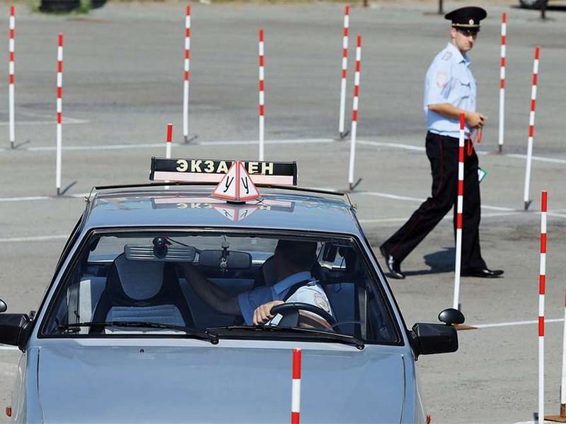 МВД ужесточило требования к экзаменаторам в ГИБДД