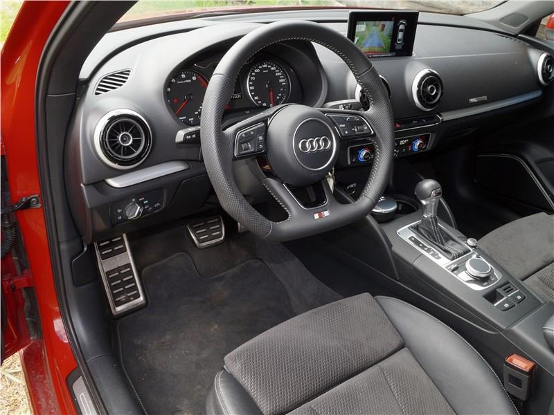 Audi A3 Sedan 2017 салон