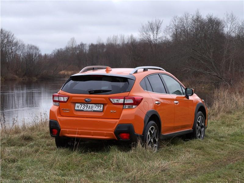 Subaru XV 2018 вид сзади