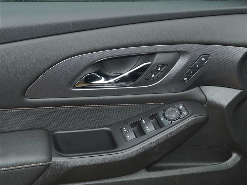Chevrolet Traverse 2018 отделка салона