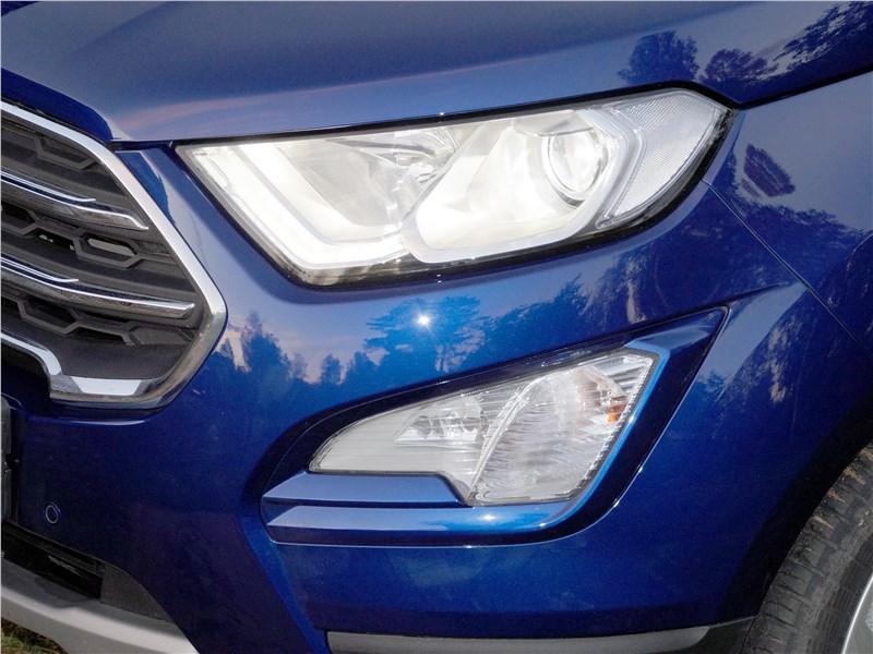 Ford EcoSport 2018 передняя фара