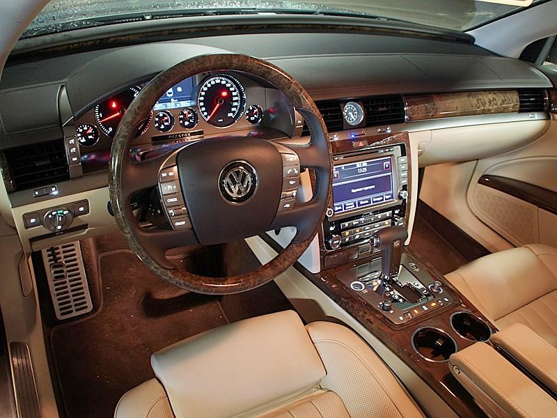 Volkswagen Phaeton 2011 водительское место