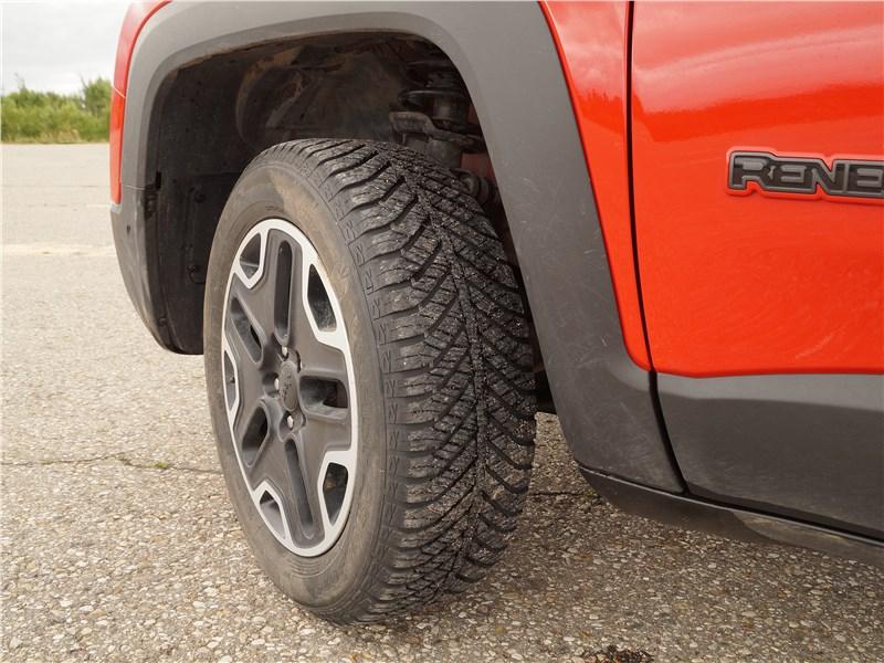 Jeep Renegade 2019 переднее колесо