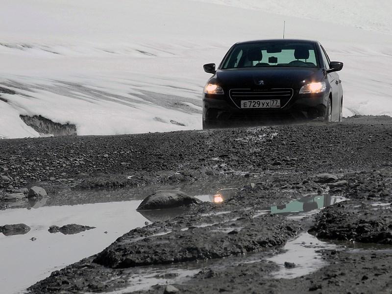 Peugeot 301 2013 вид спереди