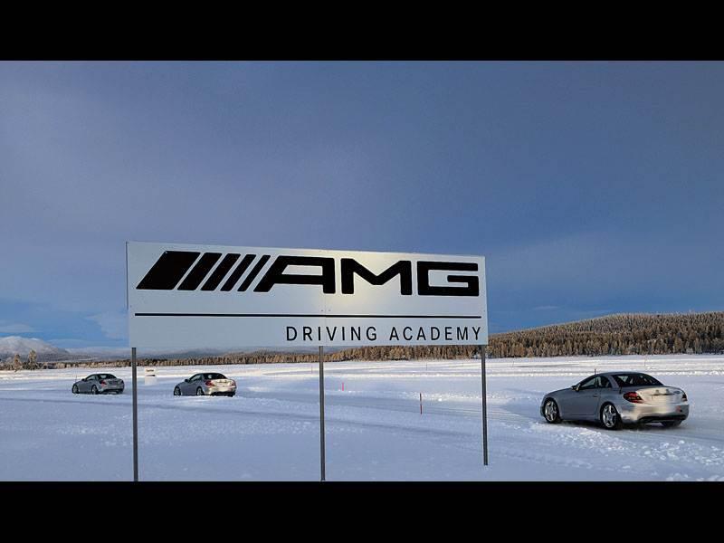 """Уроки вождения в """"AMG Driving Academy"""""""