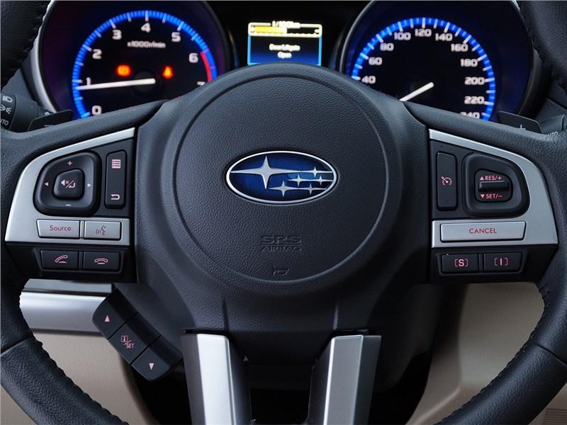 Subaru Outback 2015 руль