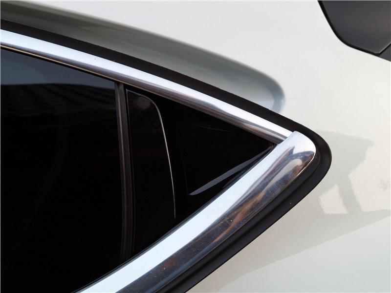 DS4 Crossback 2016 углы задних пассажирских дверей
