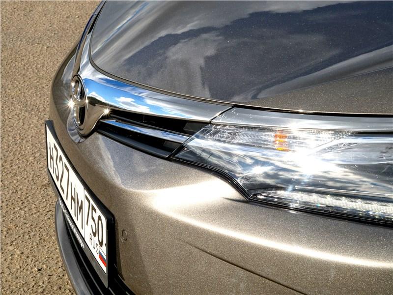 Toyota Corolla 2017 бампер
