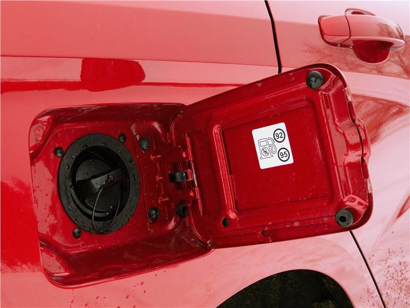 Lada Vesta 2015 крышка бензобака