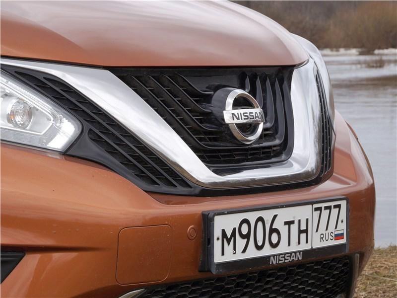 Nissan Murano 2016 решетка радиатора