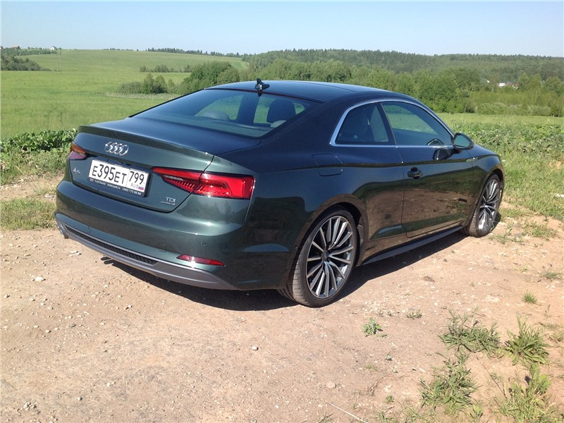Audi A5 Coupe 2017 вид сзади