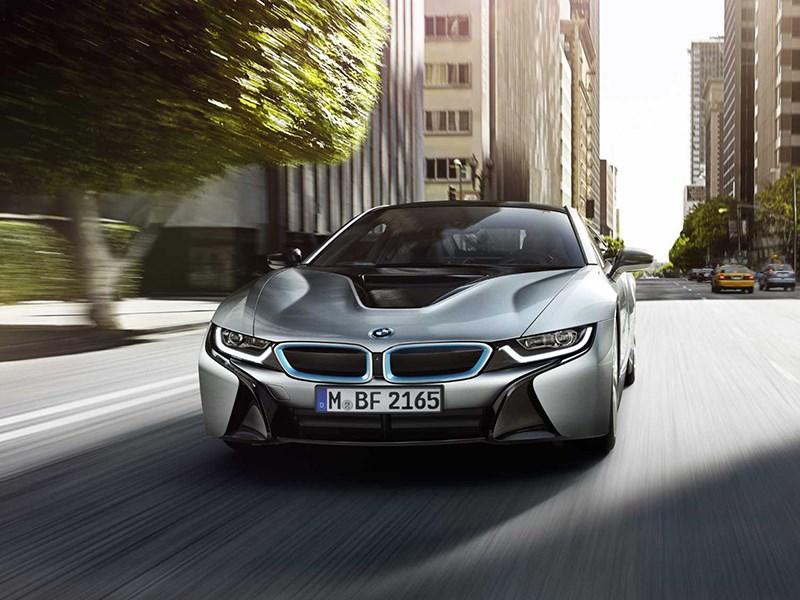 BMW i8 2014 вид спереди фото 3