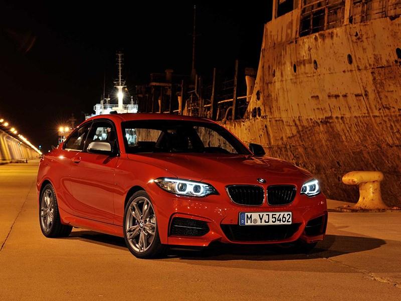 BMW 2 Series 2013 вид спереди красная фото 2