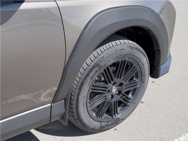 Toyota RAV4 2016 колесо