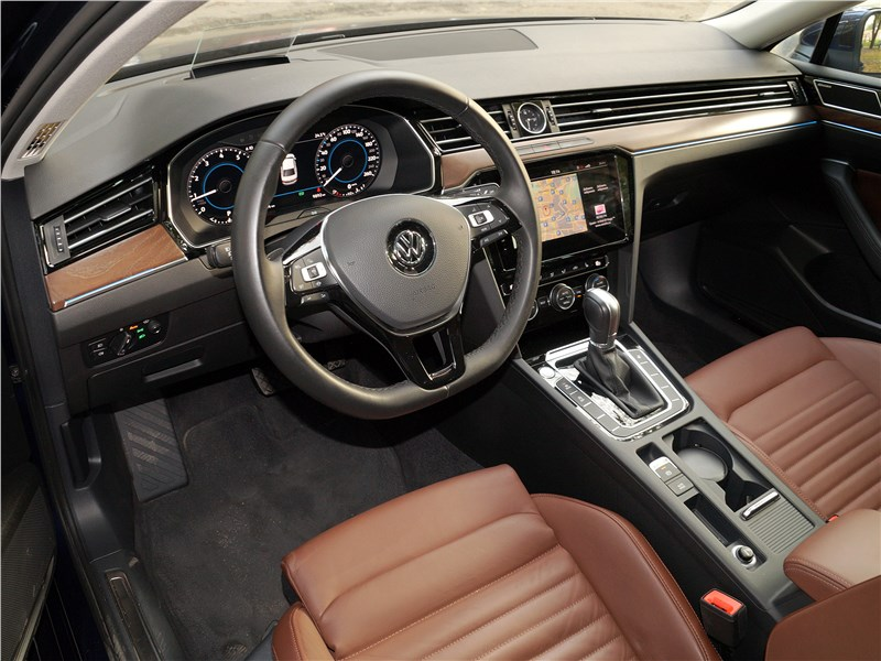 Volkswagen Passat 2015 салон