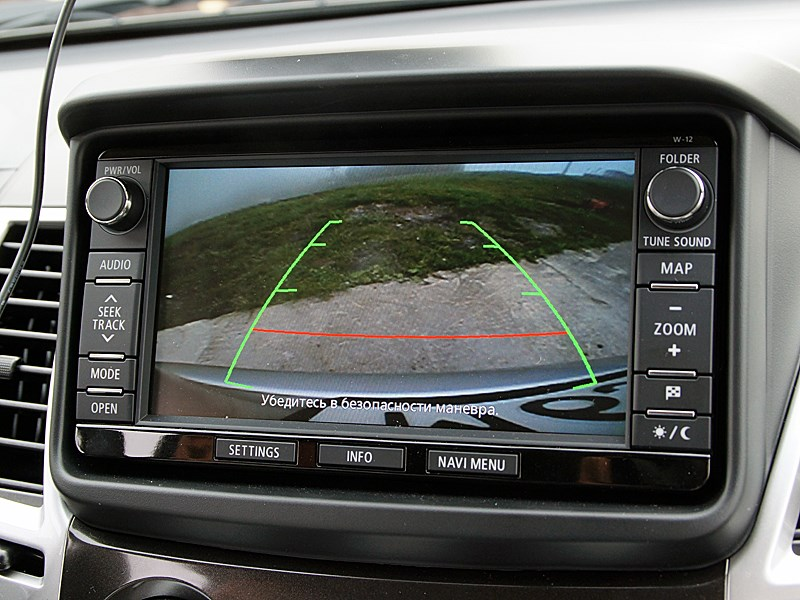 Mitsubishi Pajero Sport 2013 монитор