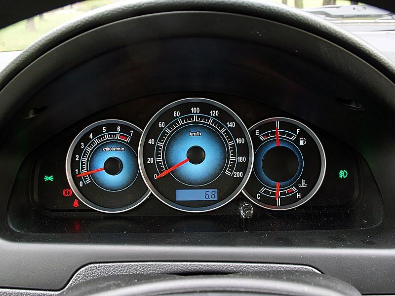FAW V5 2012 приборная панель
