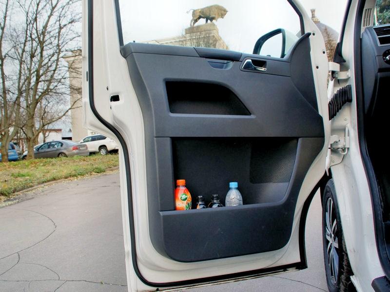 Volkswagen Caravelle дверь