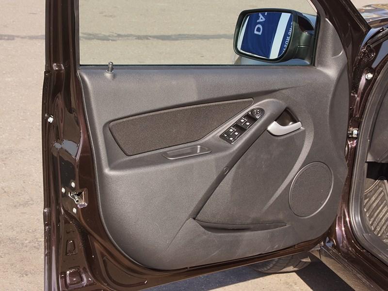 Datsun on-DO 2014 передняя дверь