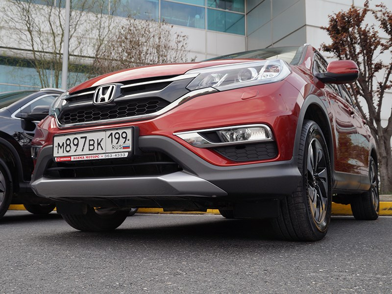 Honda CR-V 2015 вид спереди