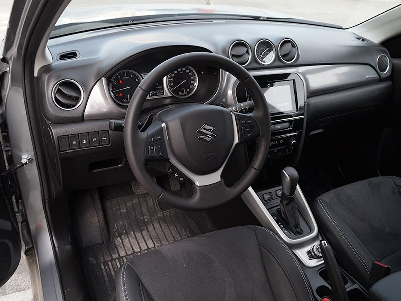 Suzuki Vitara 2015 салон
