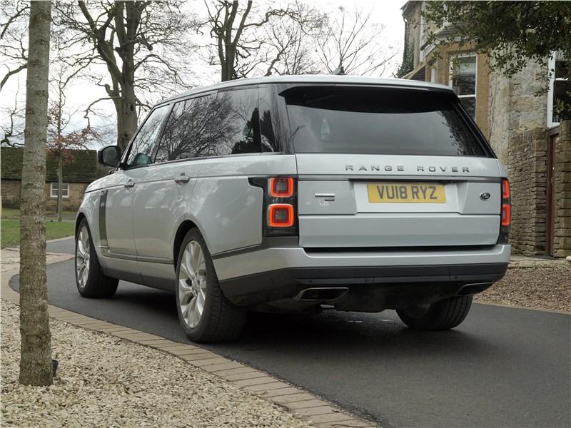 Land Rover Range Rover PHEV 2018 вид сзади