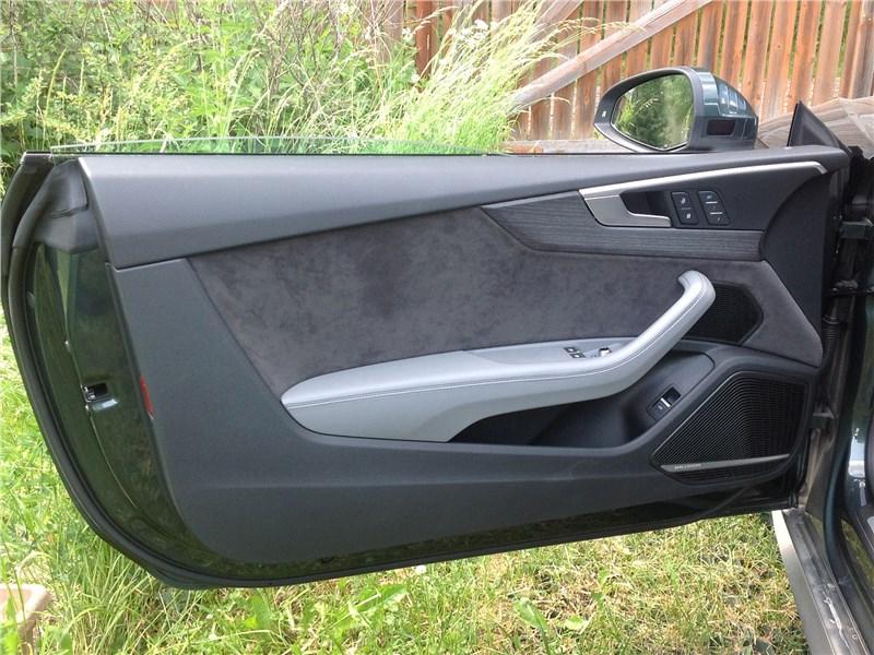 Audi A5 Coupe 2017 дверь