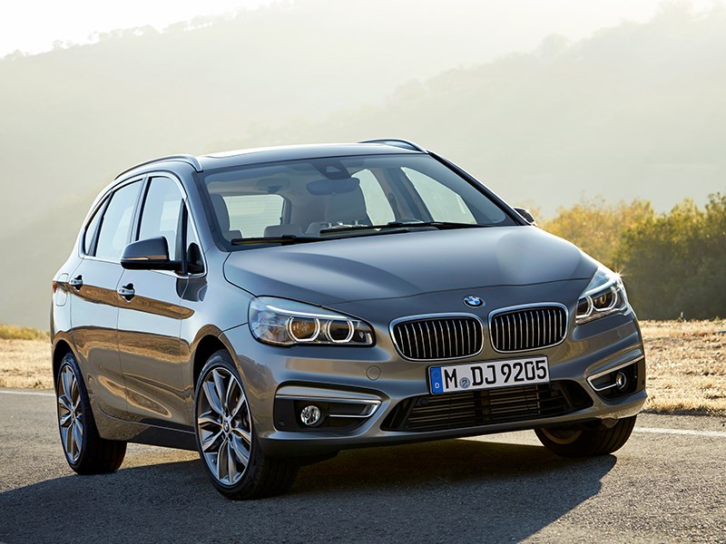 BMW 2 Series Active Tourer 2014 вид спереди фото 2