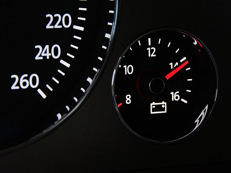 Volkswagen Phaeton 2011 приборная панель