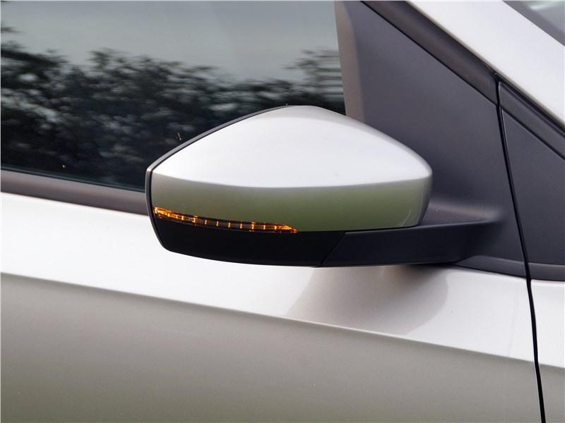 Volkswagen Polo Sedan 2016 боковое зеркало