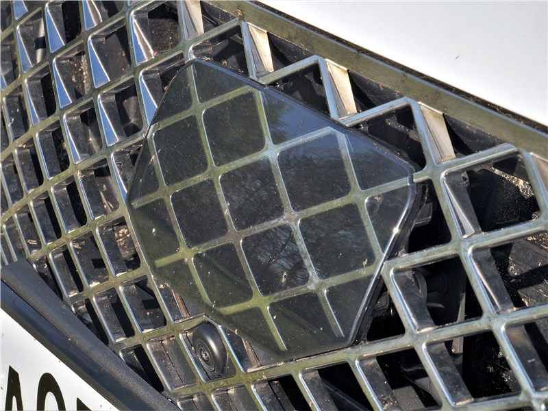 Genesis G80 (2021) решетка радиатора