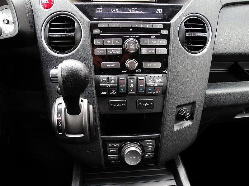 Honda Pilot 2012 центральная консоль