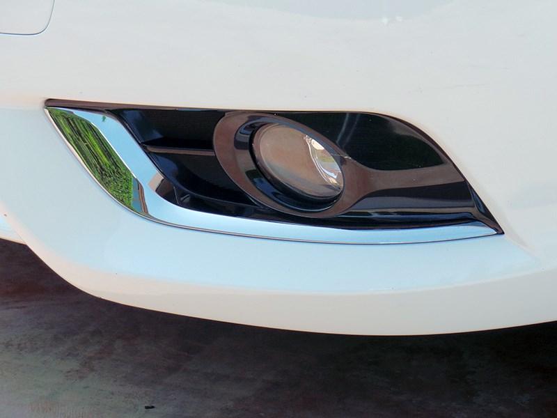 Nissan Tiida 2015 противотуманные фары