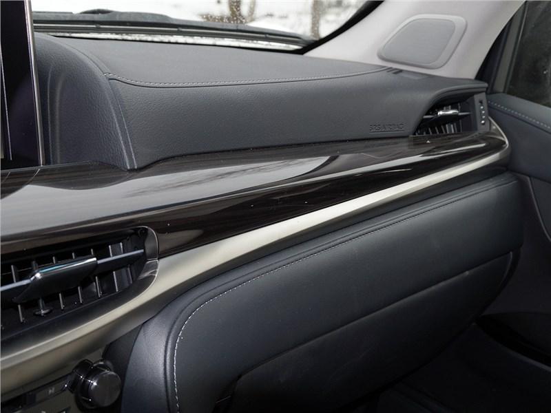 Lexus LX 2016 торпедо