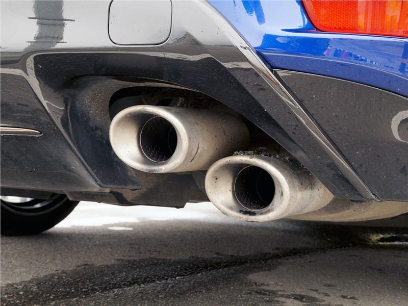 Lexus GS F 2016 выхлопная труба