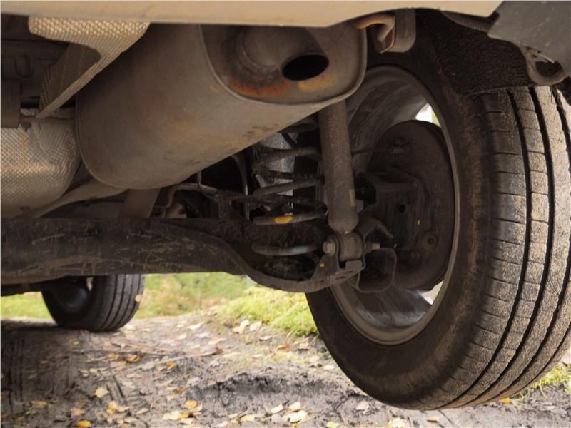 Ford EcoSport 2013 задняя подвеска