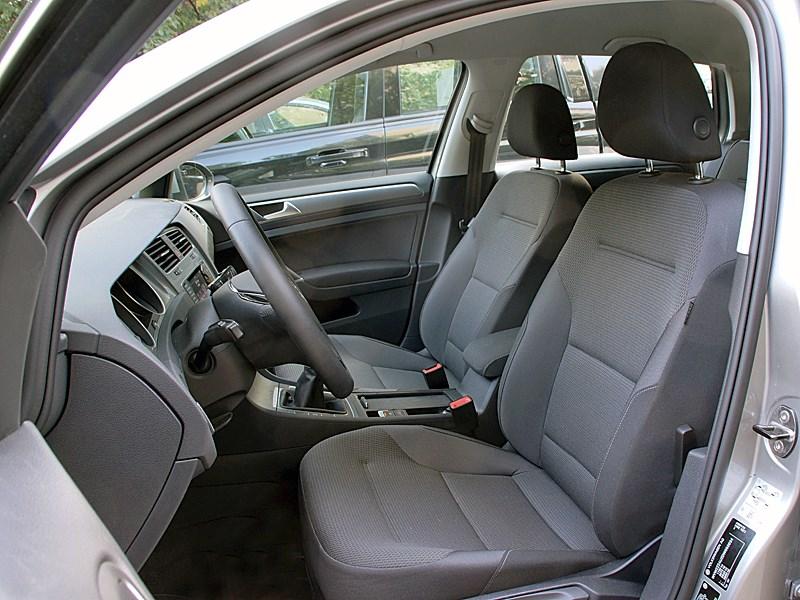 Volkswagen Golf VII 2013 передние кресла