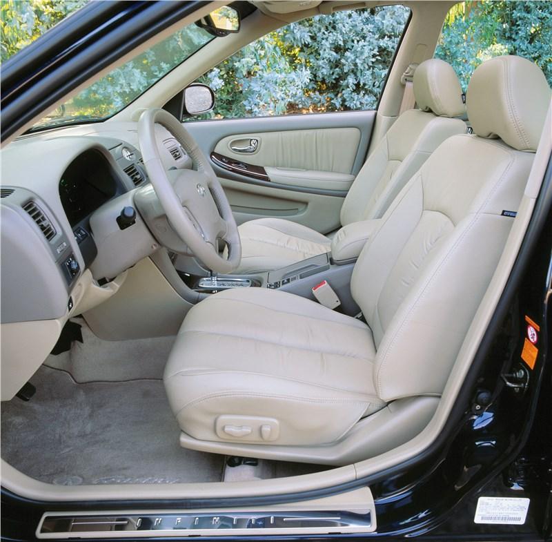 Infiniti I30 2001 передние кресла