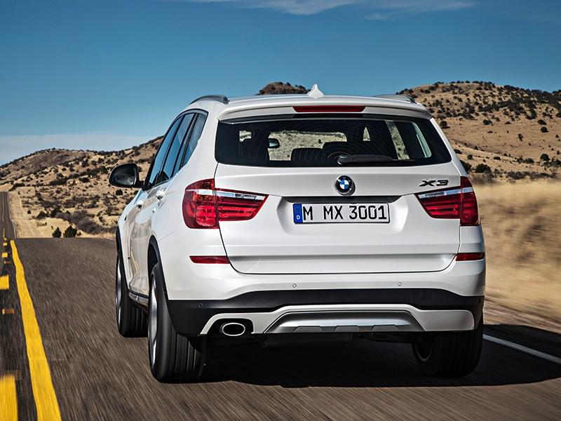 BMW X3 2014 вид сзади фото 2