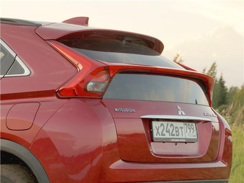 Mitsubishi Eclipse Cross 2018 задняя дверь