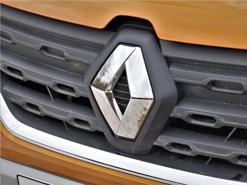 Renault Duster (2021) решетка радиатора