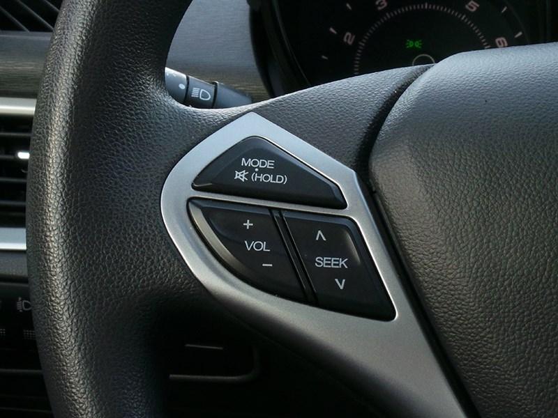Chery Arrizo 7 2014 кнопки на руле
