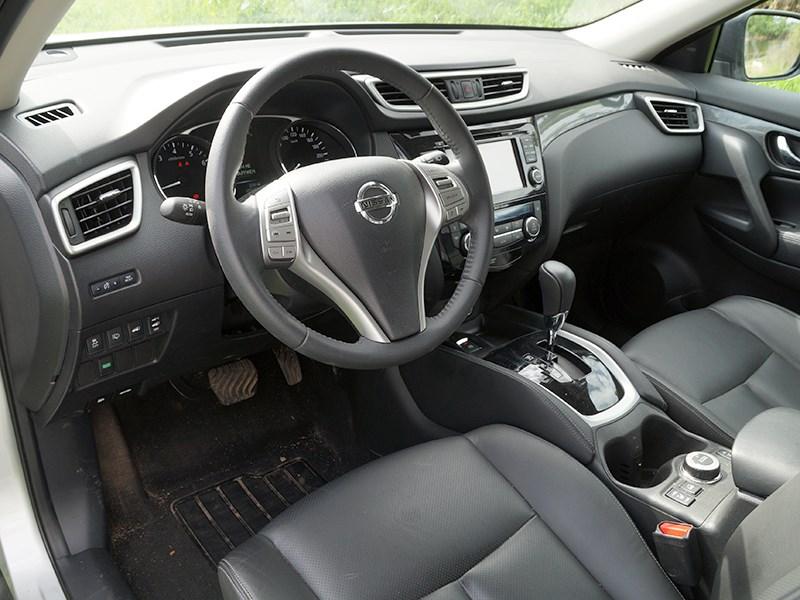 Nissan X-Trail 2014 водительское место
