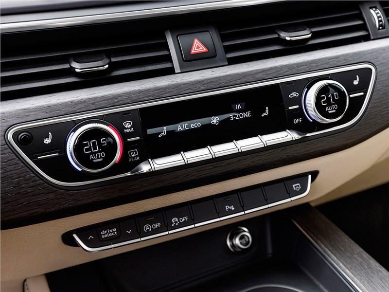 Audi A4 2016 климат-контроль