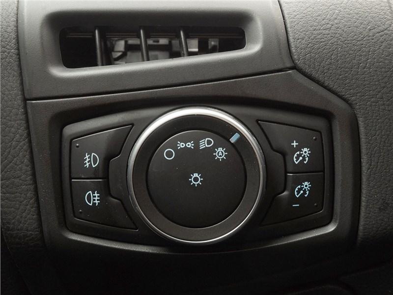 Ford Focus 2014 блок управления светом